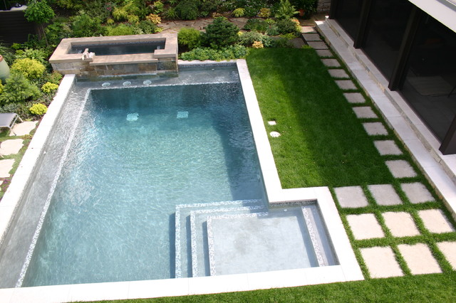 contemporary-pool.jpg